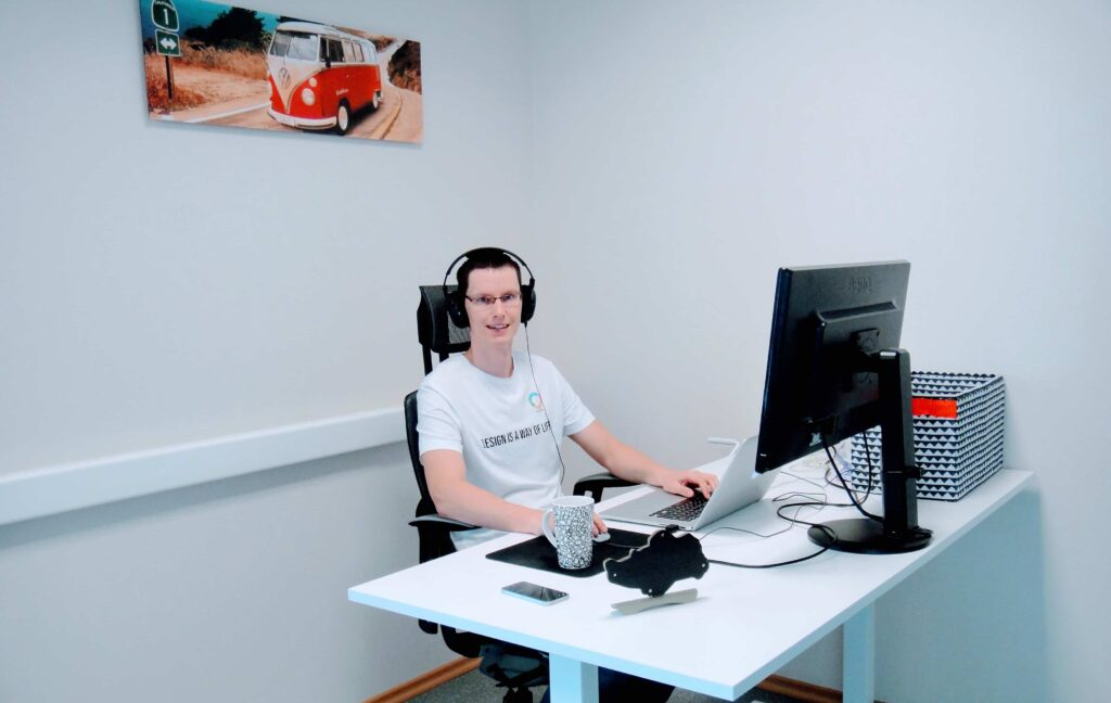 UX / UI disainer ja kasutajakogemuse ekspert Artur Puiste on e-õppe kursuse üks algatajatest.