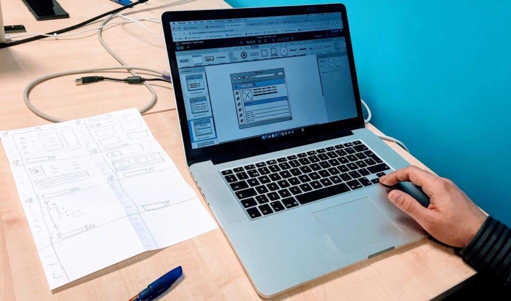 Kursusel osalejad saavad e-õppe käigus omandada ka digitaalsete teenuste prototüüpimise oskusi.